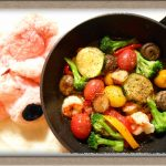 【エビと夏野菜のアヒージョ】フライパン一つで9品目が色鮮やかに