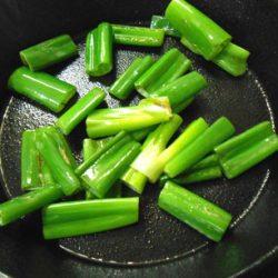 スキレット葱炒め