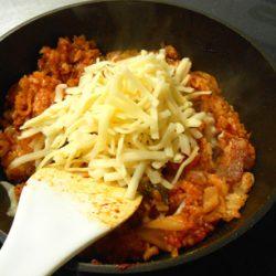 キムチ炒飯チーズ投入