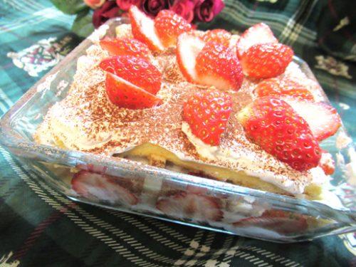 イチゴとバナナのスコップケーキ